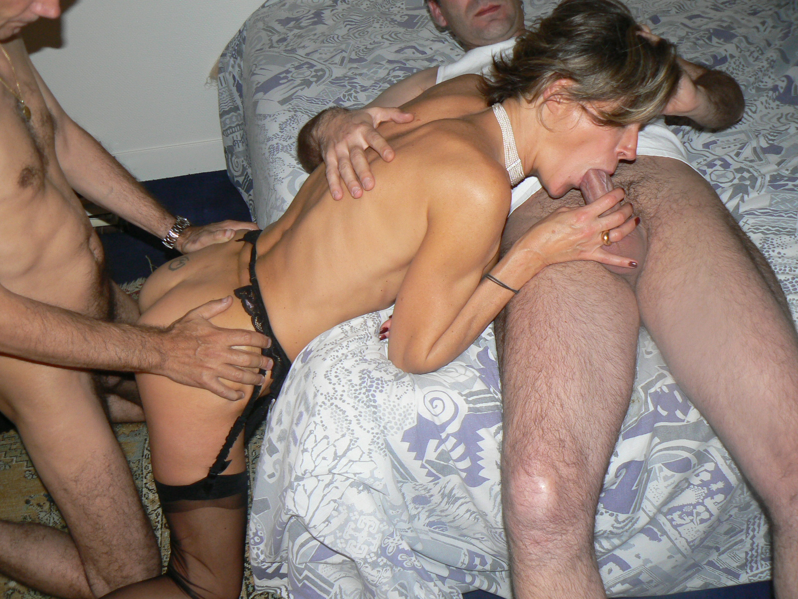 Threesome swinger picture gallery — photo 15